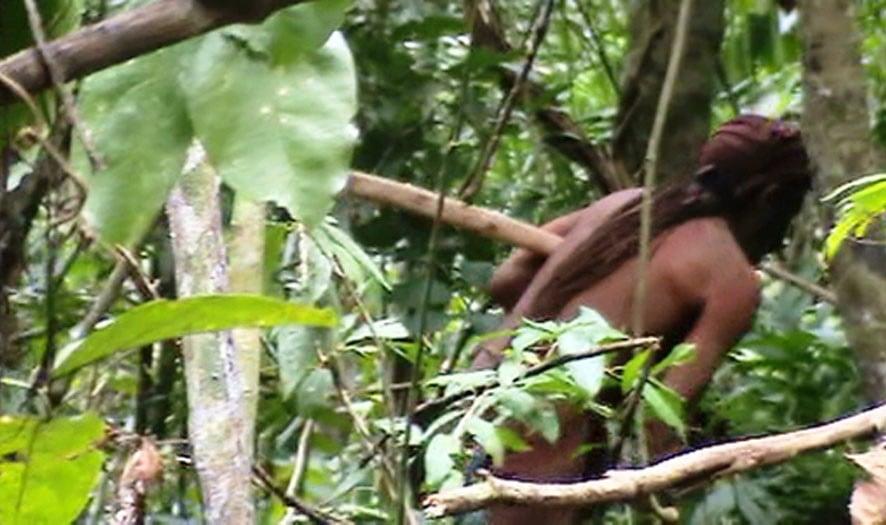 Amazońscy tubylcy fot. EPA/FUNAI