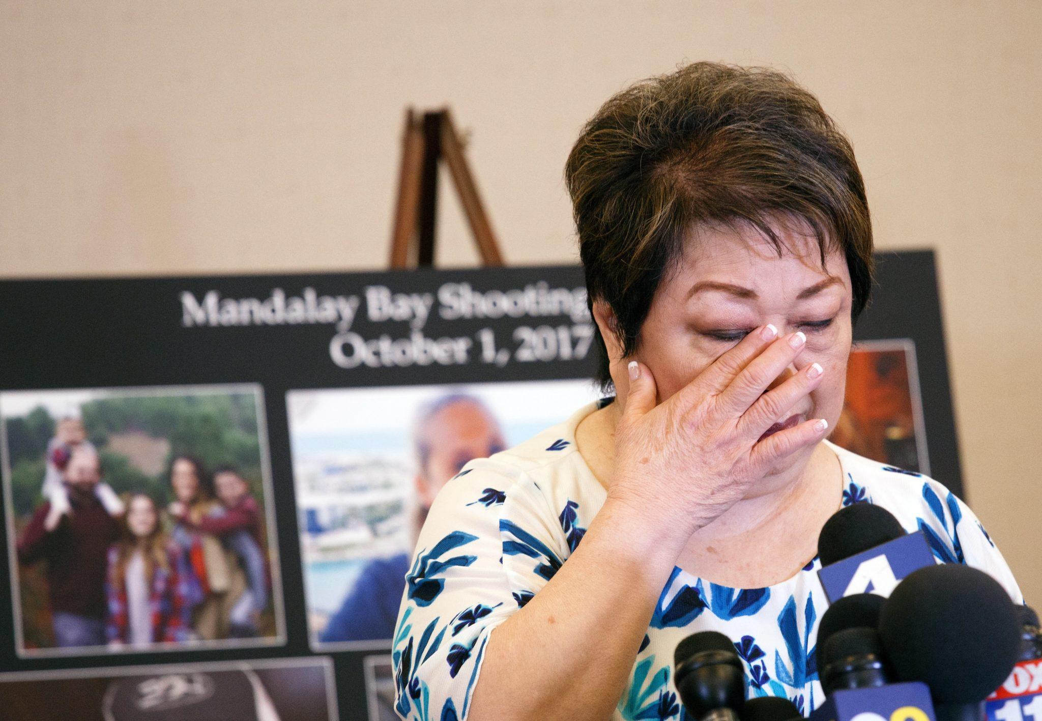 Jason McMillan i jego rodzina. Jason jest sparaliżowany po strzelaninie w 2017 roku w Mandalay Bay. On i jego bliscy wzięli udział w konferencji na temat masowych strzelanin w Las Vegas. Rodziny ofiar i poszkodowani domagają się odszkodowań, fot. Eugene Garcia, PAP/EPA