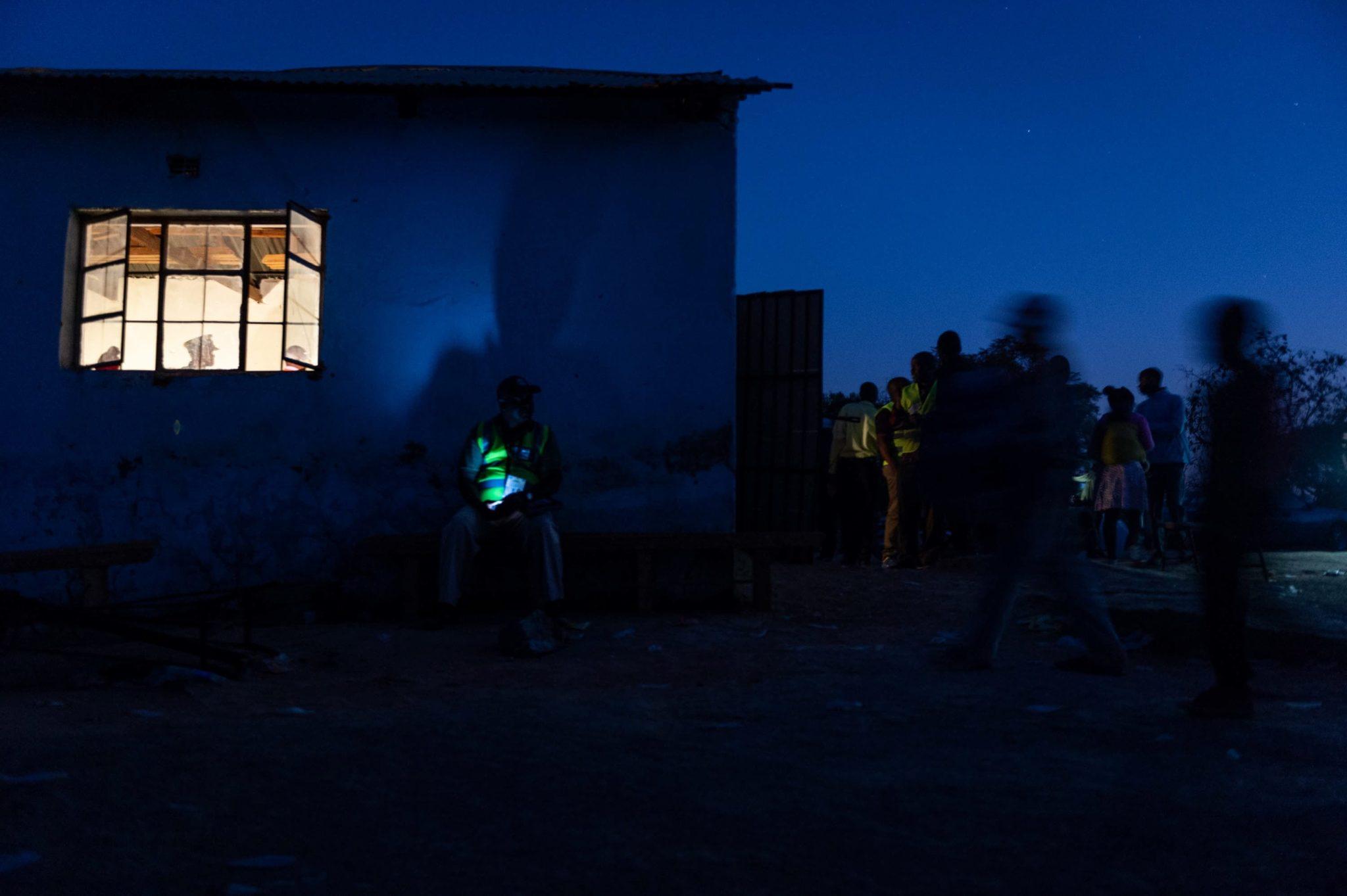 Biuro wyborcze w Zimbabwe, fot. Yeshiel Panchia, PAP, EPA