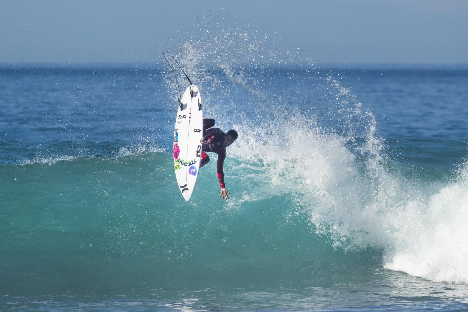 Zawody surferskie w Brazylii fot. EPA/Kelly Cestari