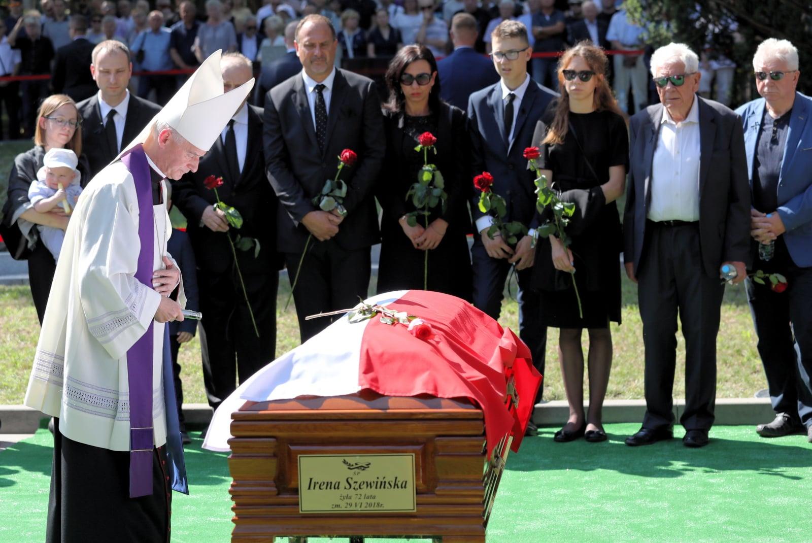 Pogrzeb Ireny Szewińskiej na Powązkach fot. EPA/TOMASZ GZELL