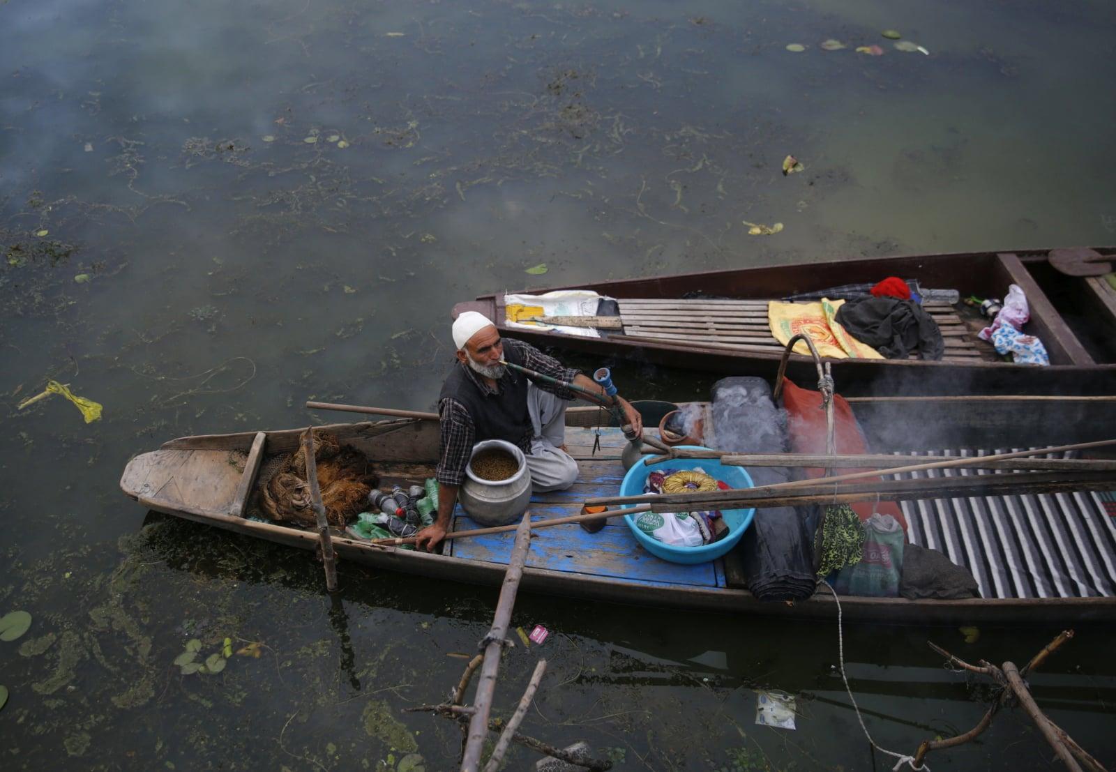Indyjski region - Kaszmir fot. EPA/FAROOQ KHAN