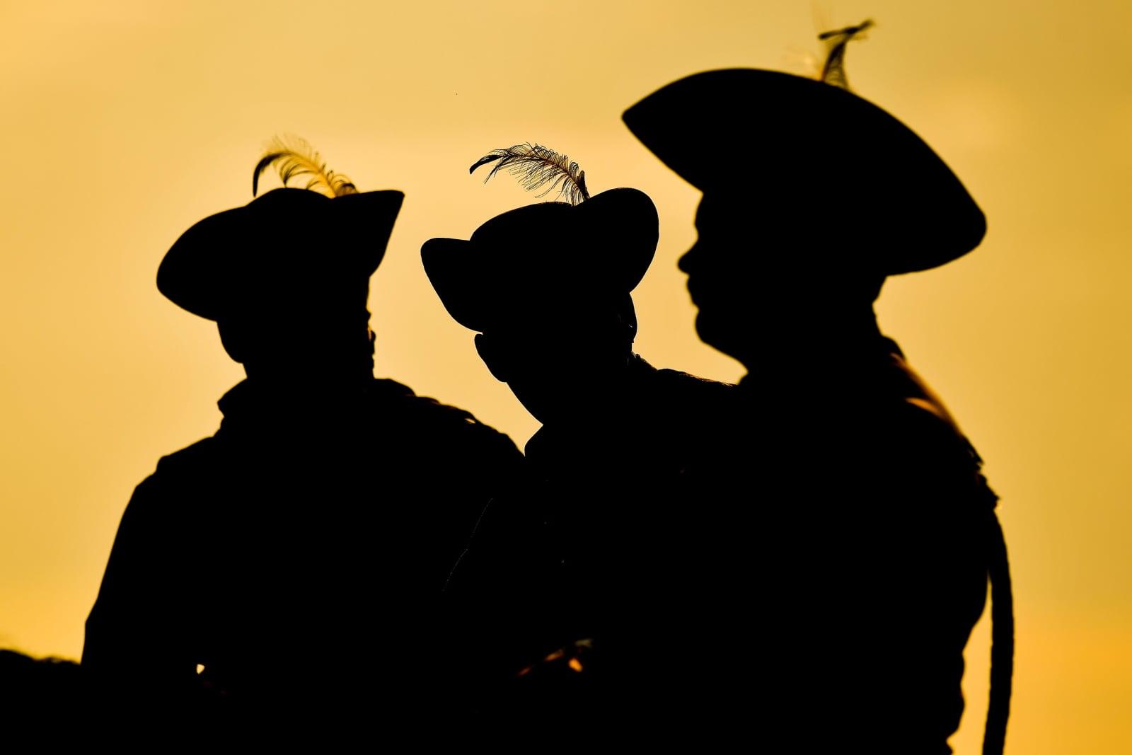 Węgierscy kawalerzyści. Fot. PAP/EPA/ZSOLT CZEGLEDI
