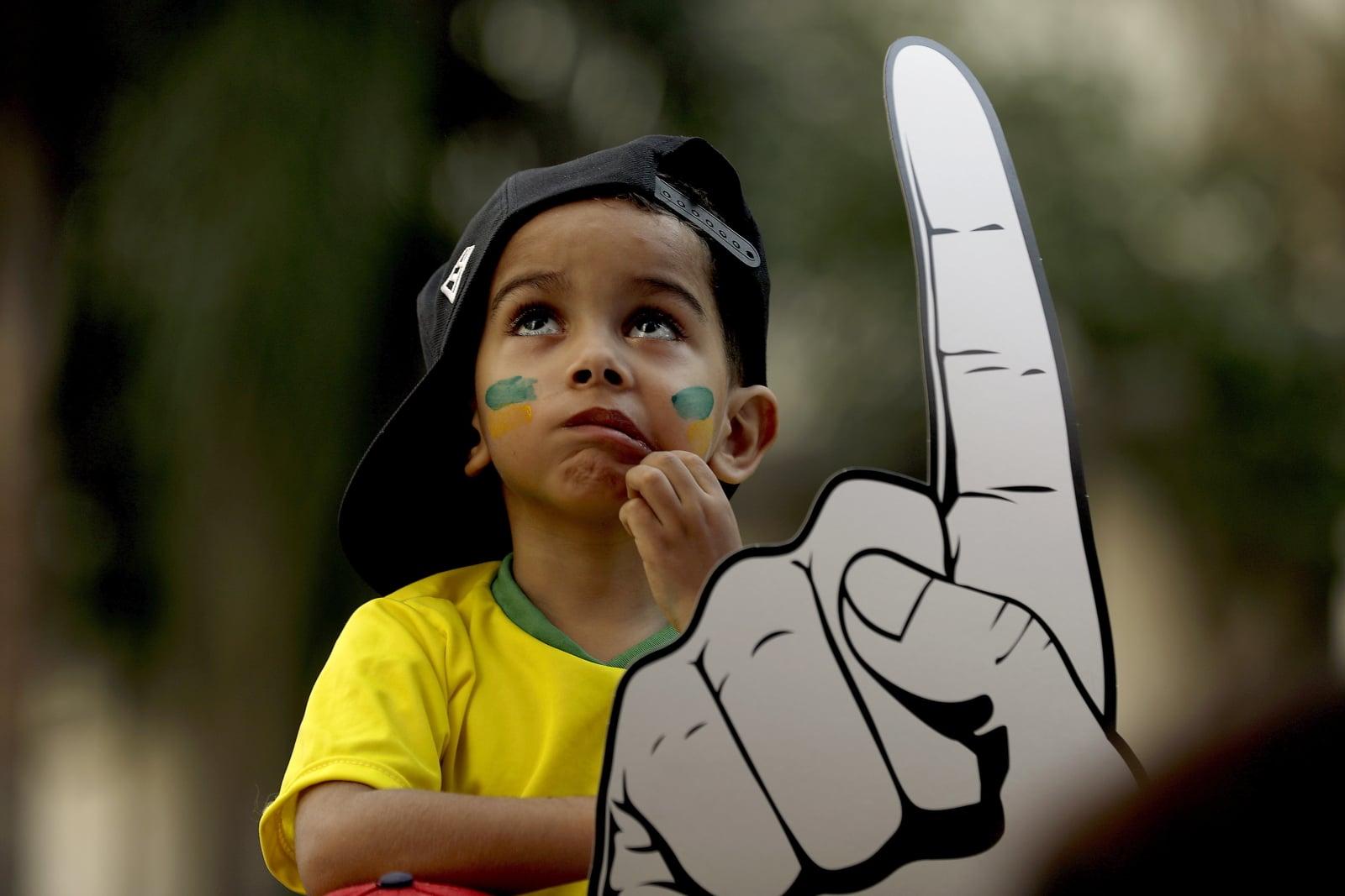 Mały brazylijski fan na meczu Belgia-Brazylia. Fot. PAP/EPA/Marcelo Chello