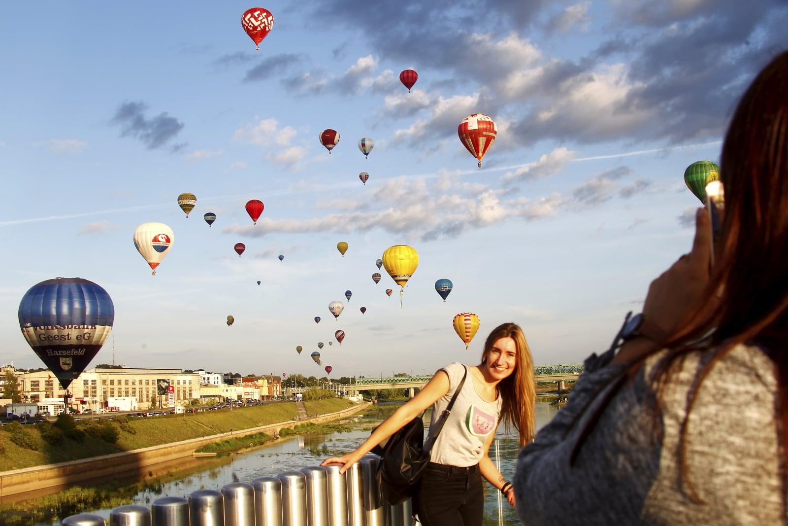 Balonowa fiesta w Kaunas na Litwie. Fot. PAP/EPA/TOMS KALNINS