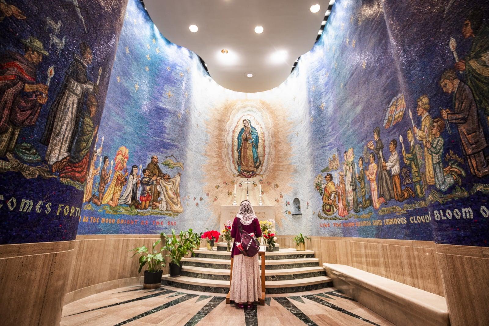 Największy kościół katolicki w USA (Waszyngton) fot. EPA/JIM LO SCALZO