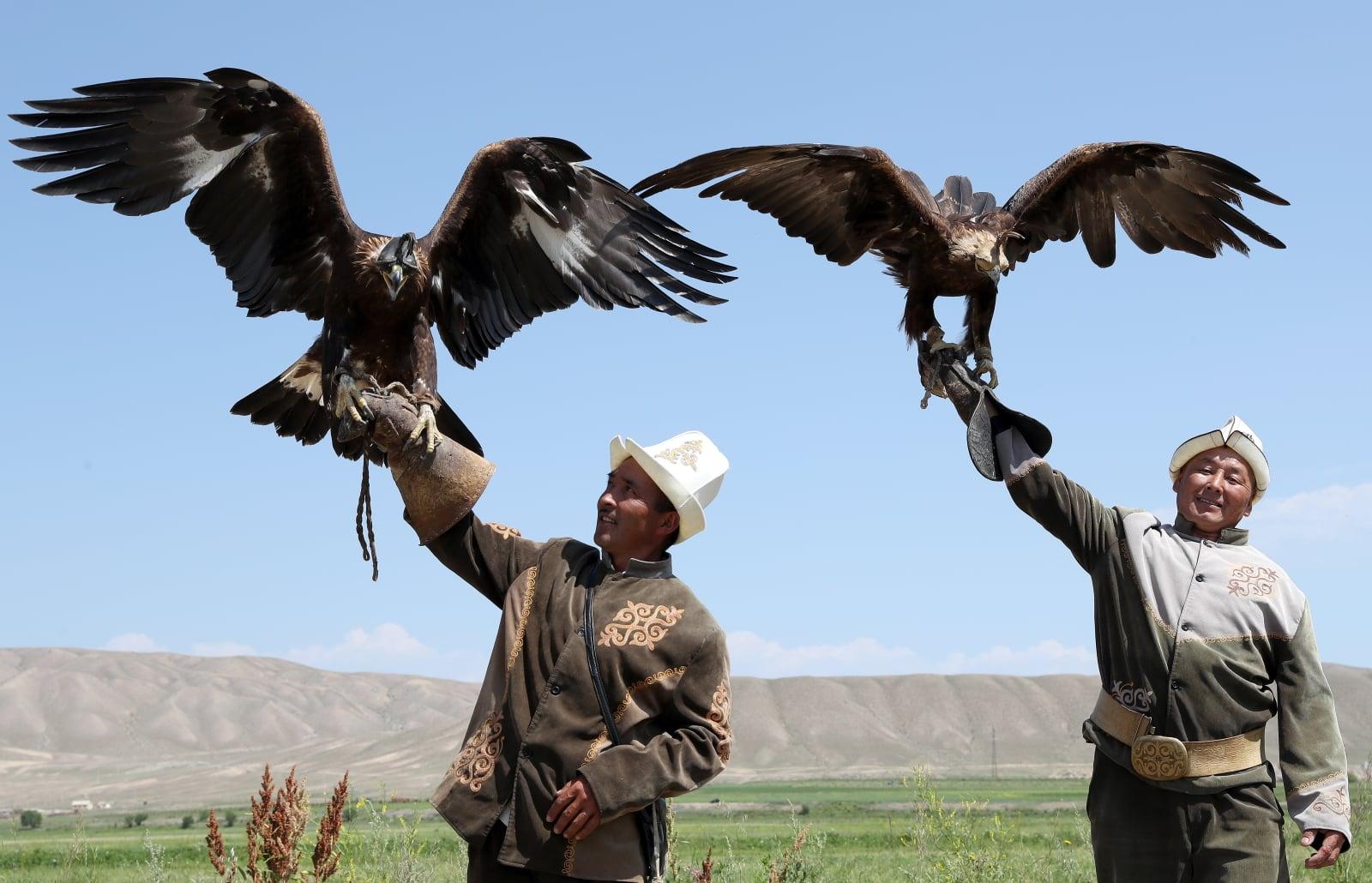 Tradycyjne polowania w Kirgistanie fot. EPA/IGOR KOVALENKO