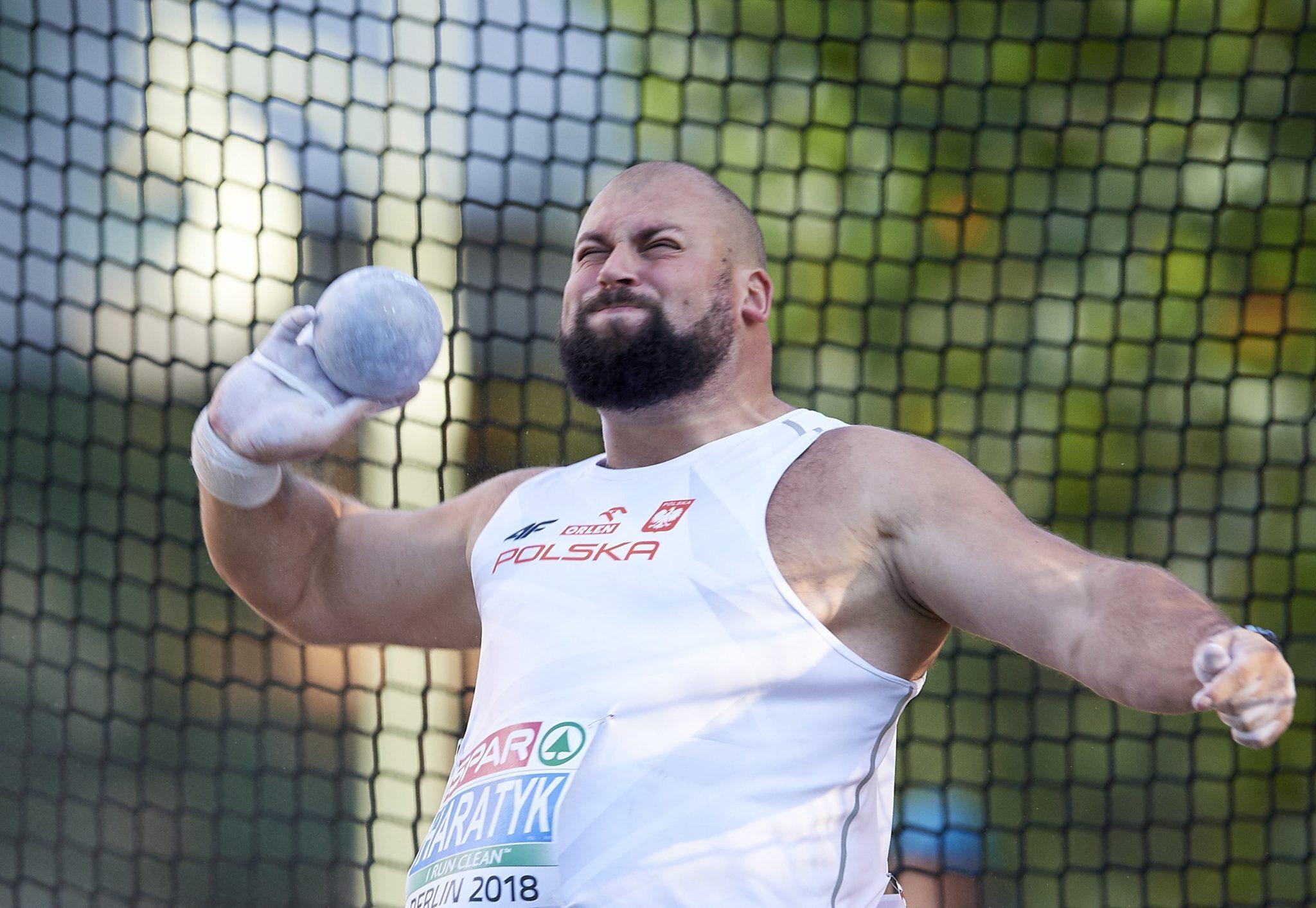 Niemcy: Polak Michał Haratyk w kwalifikacjach do konkursu pchnięcia kulą podczas lekkoatletycznych mistrzostw Europy w Berlinie, fot. Adam Warżawa, PAP