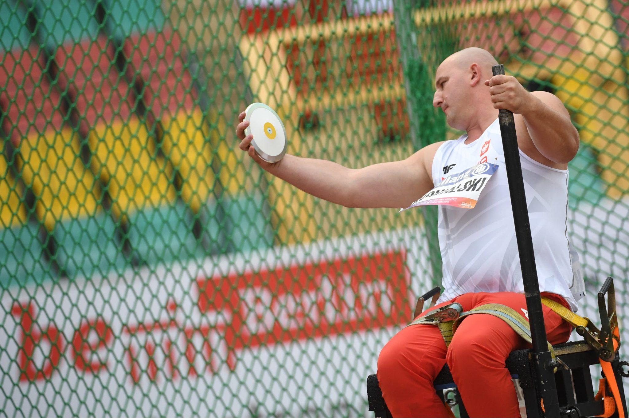Przemysław Kowalski w finale rzutu dyskiem