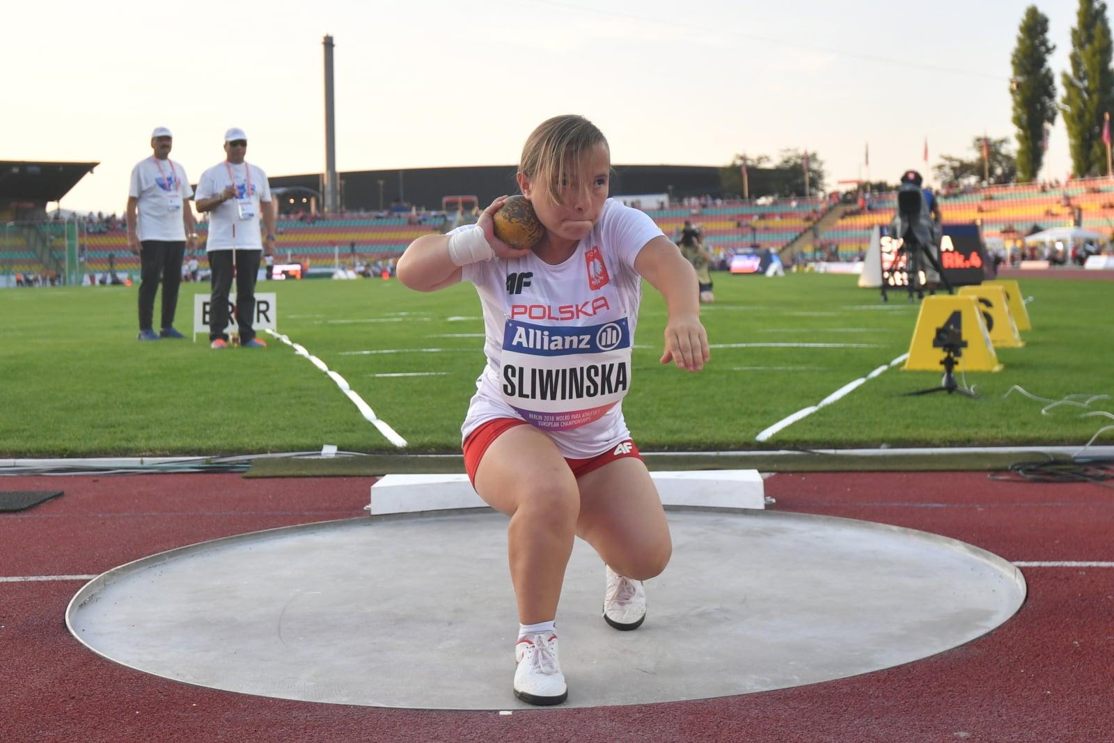 Renata Śliwińska w konkursie pchnięcia kulą (klasa F40) podczas lekkoatletycznych mistrzostw Europy osób z niepełnosprawnościami w Berlinie