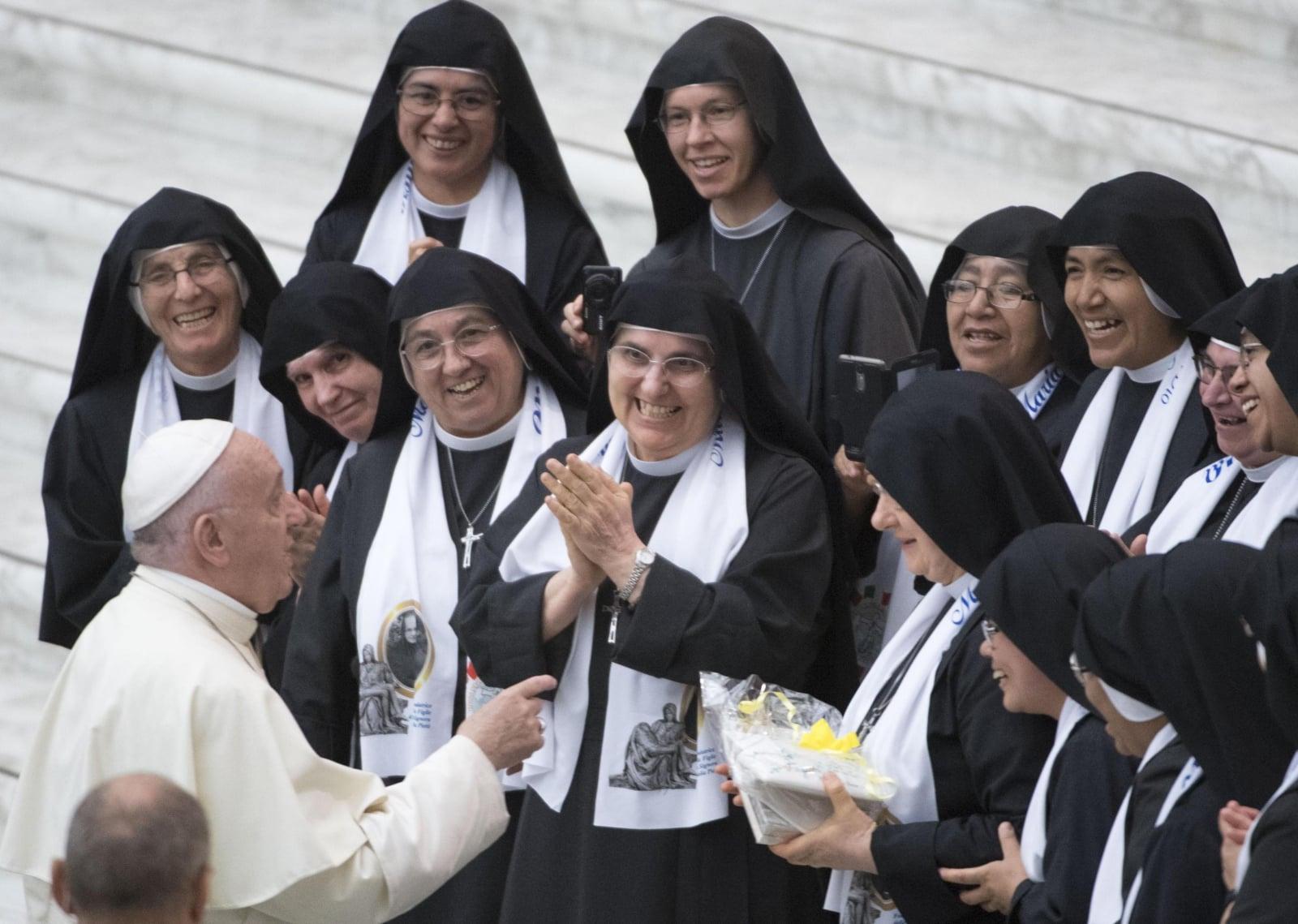 Papież Franciszek podczas cotygodniowej audiencji generalnej, fot. WatykanEPA/MAURIZIO BRAMBATTI