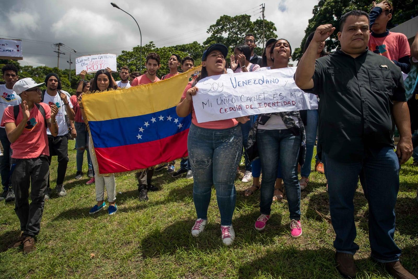 Protesty w Wenezueli. fot. EPA/Miguel Gutiérrez