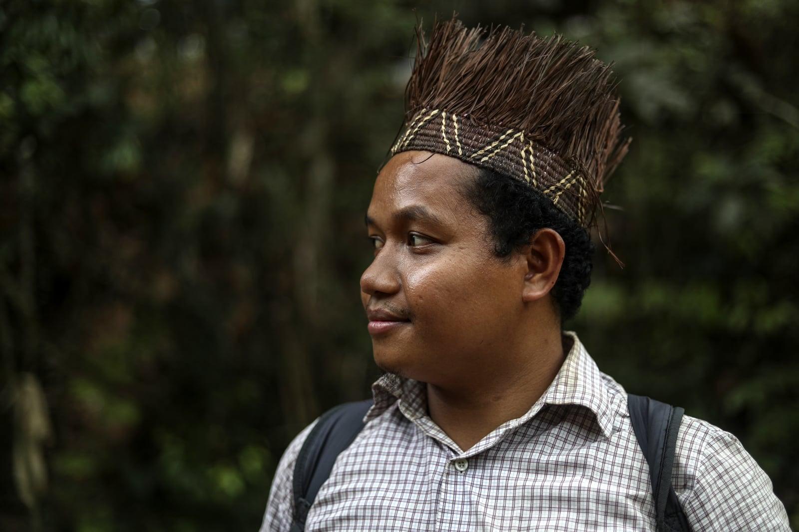 Malezyjscy tubylcy fot.  EPA/FAZRY ISMAIL