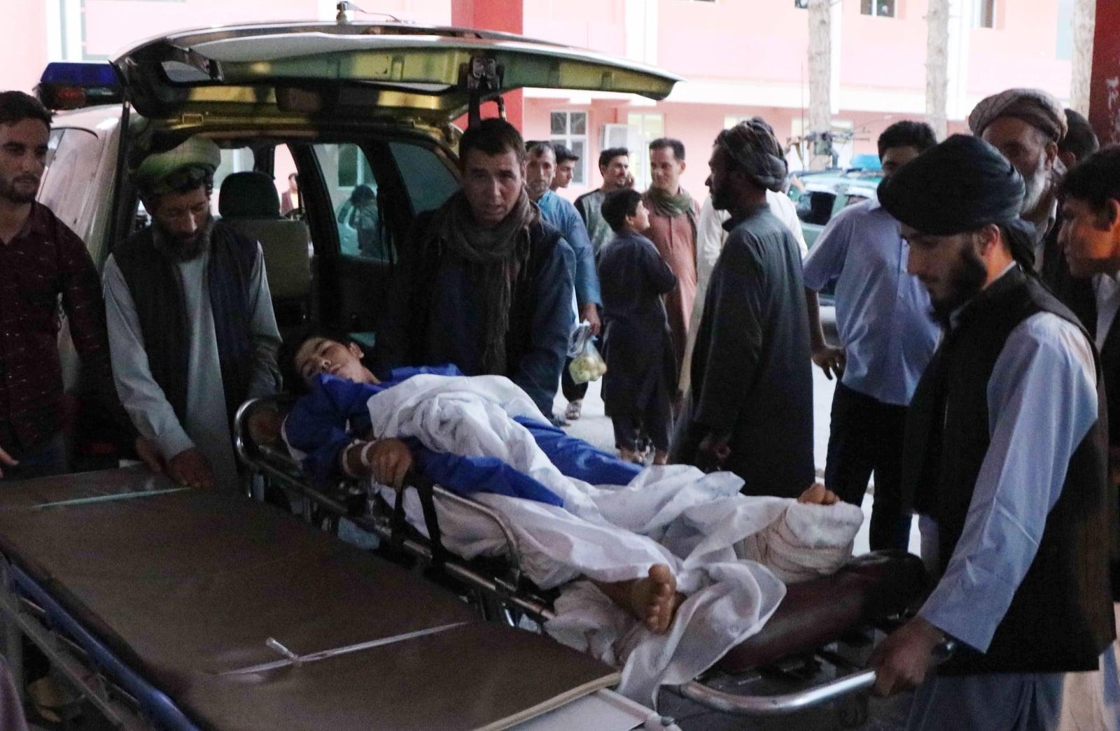 Samobójczy atak bombowy w Afganistanie fot. EPA/JALIL REZAYEE