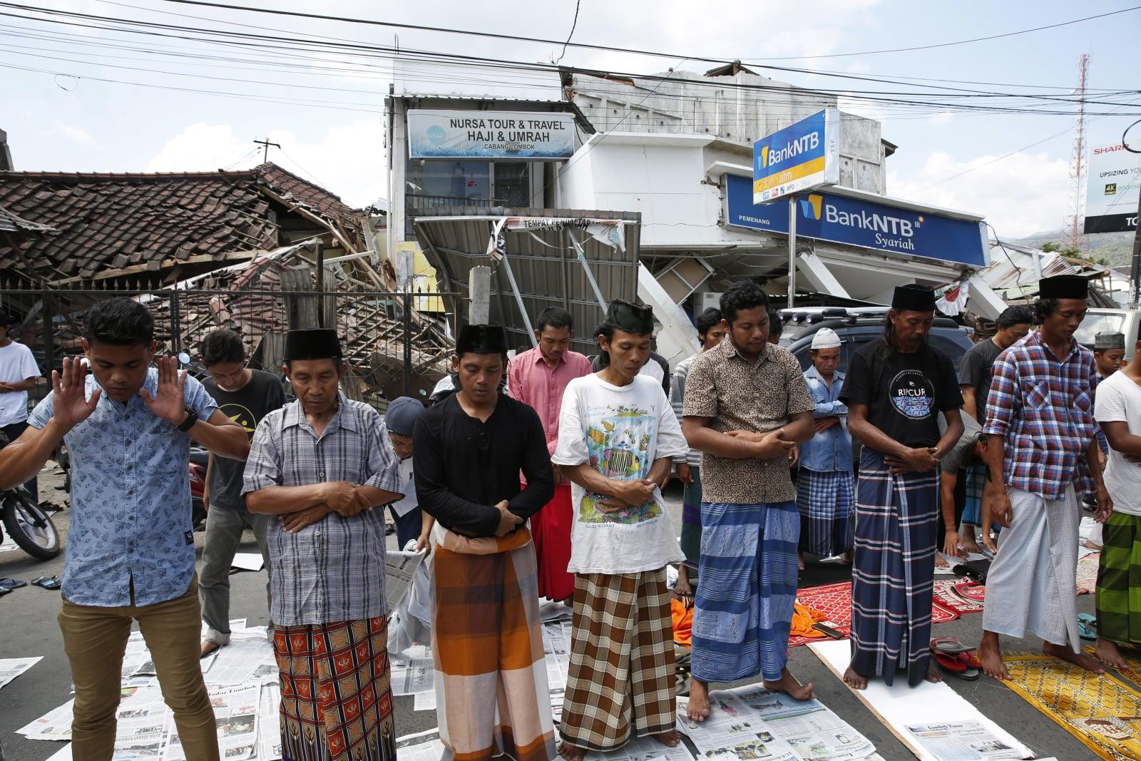 Trzęsienie ziemi w Indonezji na wyspie Lombok EPA/ADI WEDA