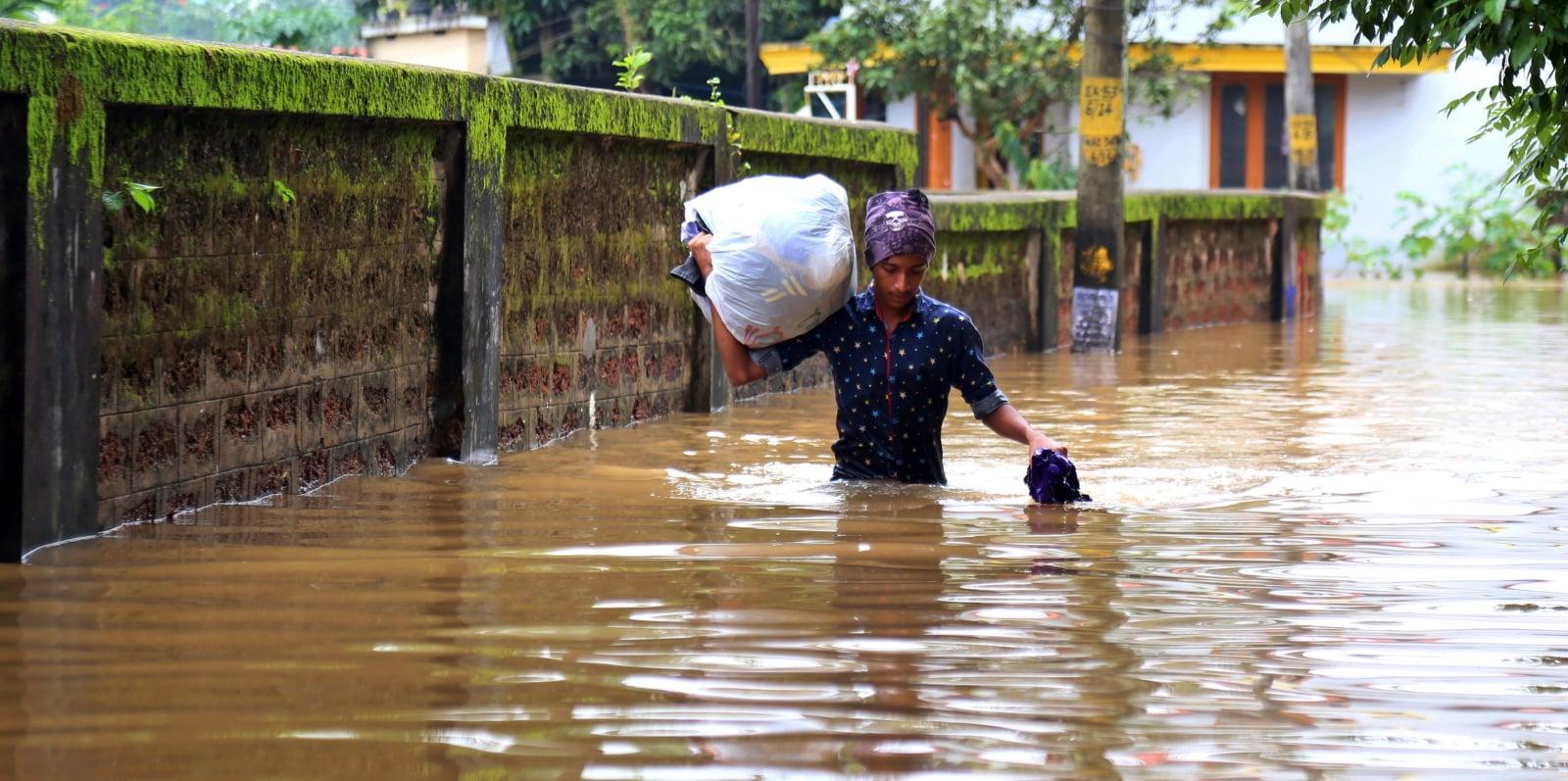 Powódź w Indiach EPA/PRAKASH ELAMAKKARA