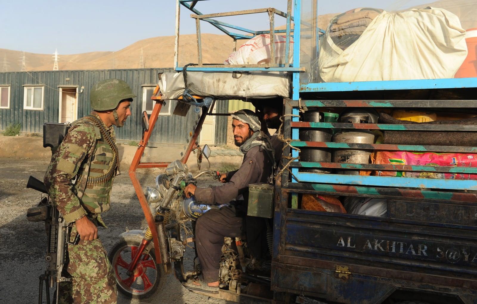 Atak afgańskich talibów fot. EPA/JAWAD JALALI