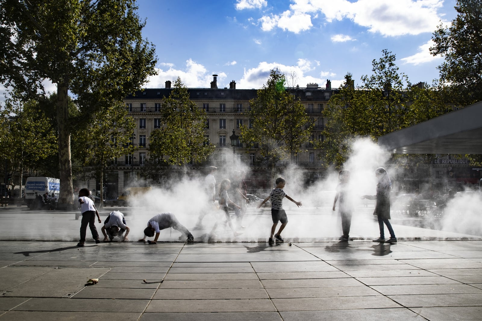 Paryż fot. EPA/ETIENNE LAURENT