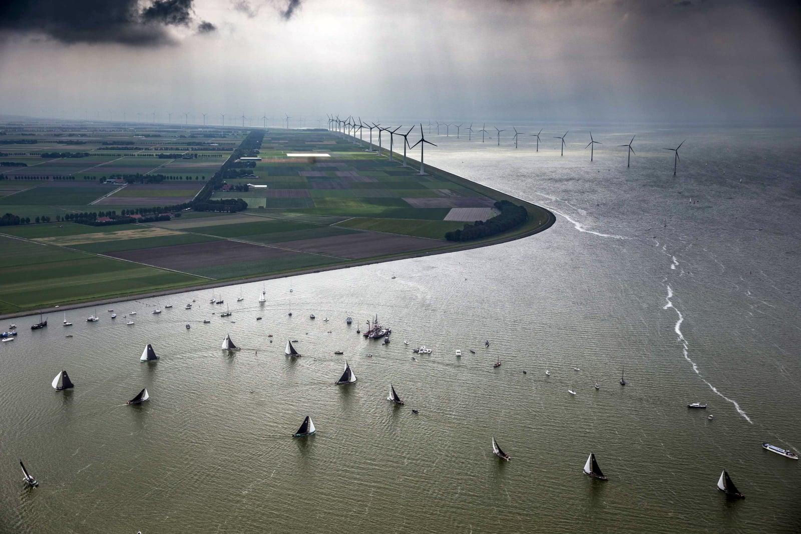 Tradycyjne żeglowanie w Holandii fot. EPA/SIESE VEENSTRA