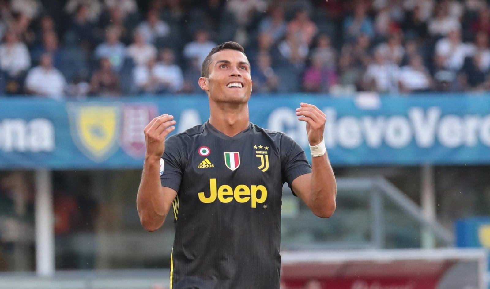 Cristiano Ronaldo pierwszy raz w barwach Juventusu Turyn. Fot. PAP/EPA/FILIPPO VENEZIA