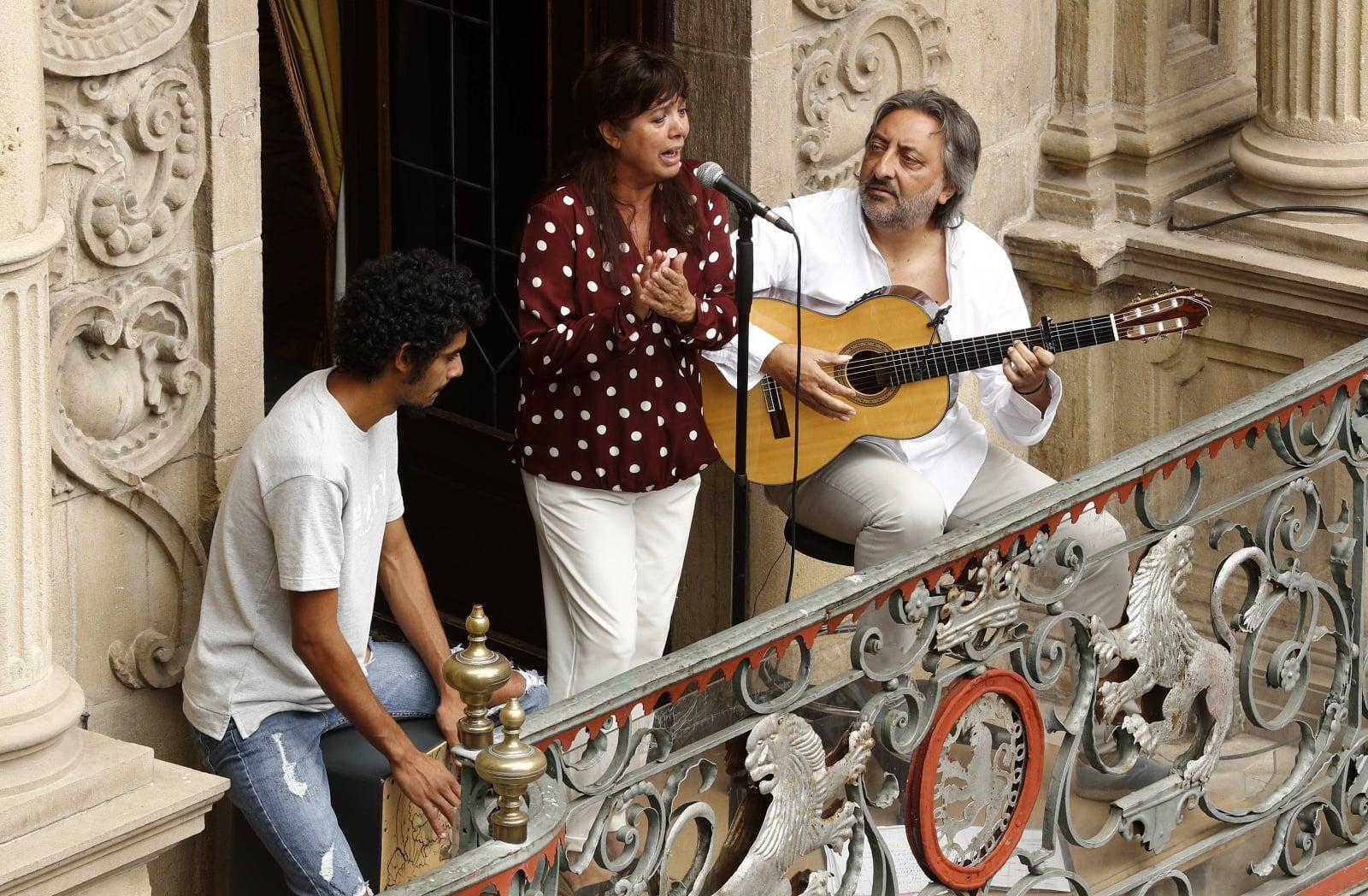 W Pampelunie w wielu miejscach grali dzisiaj muzycy