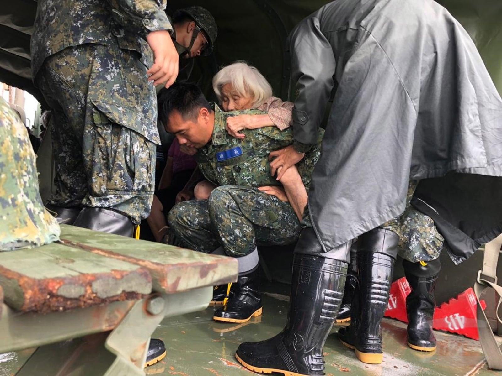 Powódź na Tajwanie  EPA/TAIWAN MILITARY NEWS AGENCY