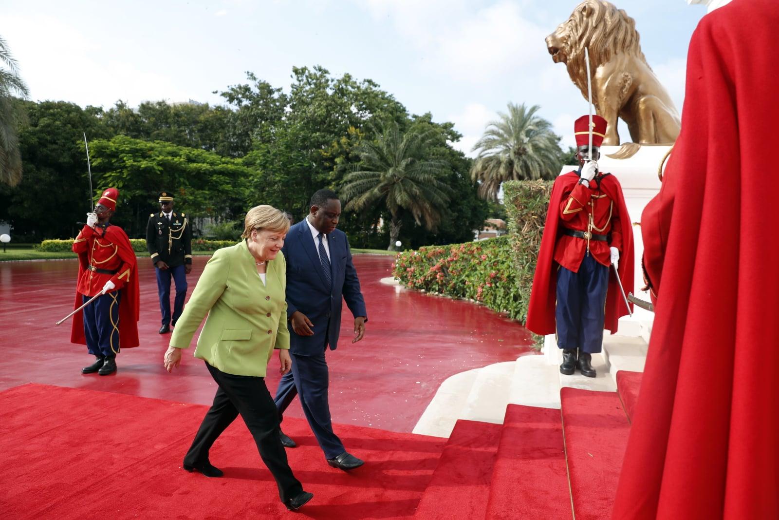 Kanclerz Niemiec Angela Merkel z wizytą w Senegalu Fot.PAP/EPA/FELIPE TRUEBA