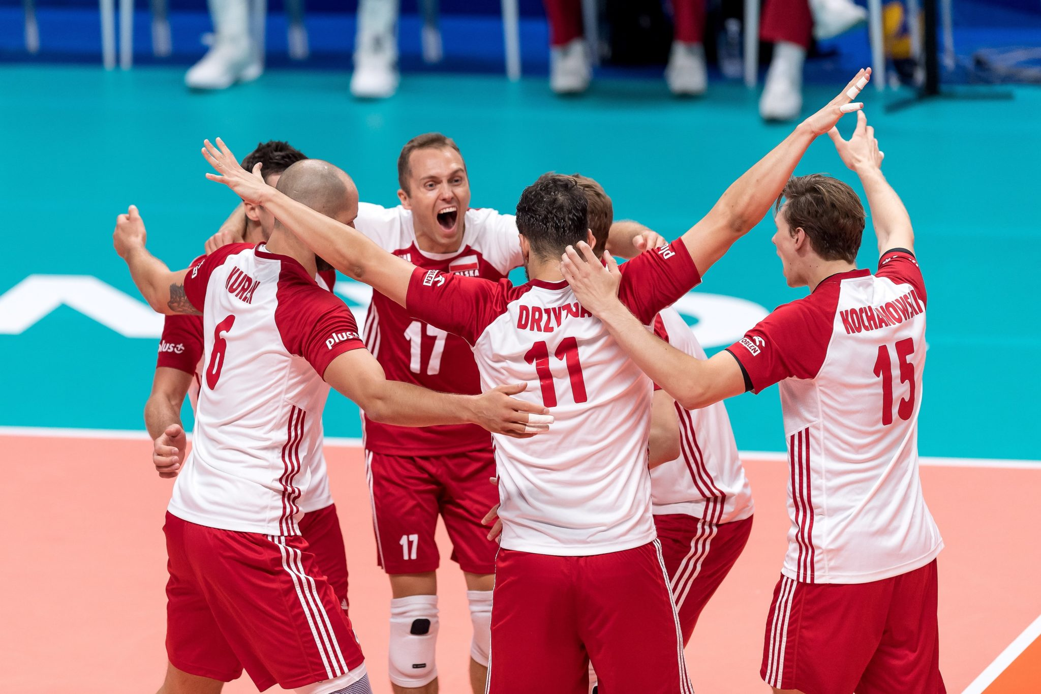 Polscy siatkarze pokonali w Turynie Serbów w III rundzie mistrzostw świata! Biało-czerwoni wygrali 3:0. Ekipę z Bałkanów Polacy pokonali także w swoim poprzednim spotkaniu tej imprezy. Na koniec zmagań wgrupie J biało-czerwoni zagrają zbędącą