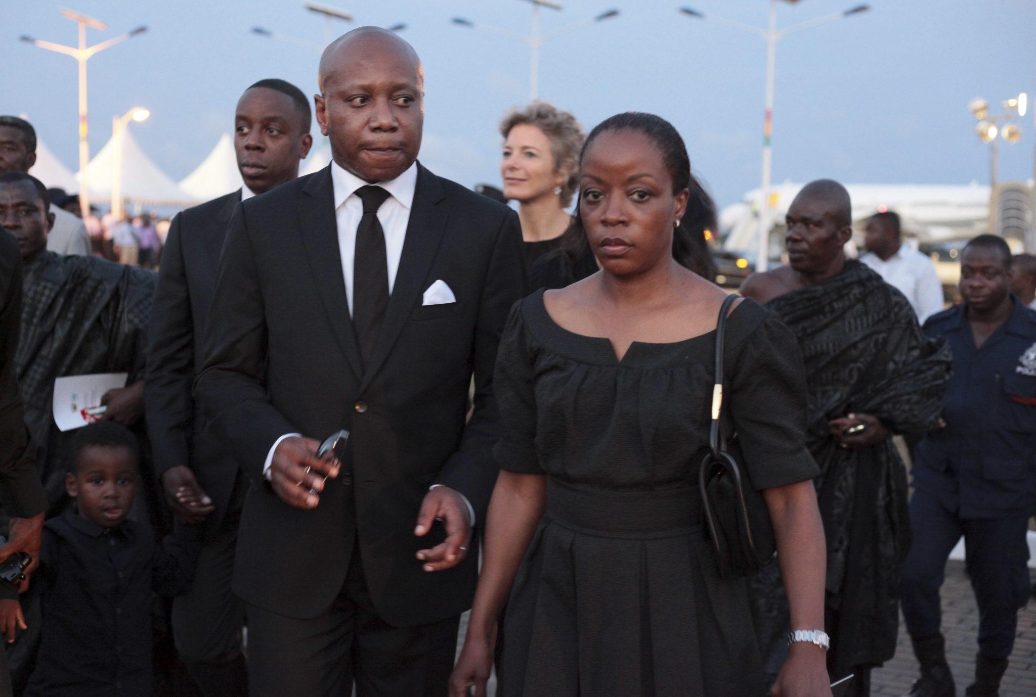 Rodzina Kofiego Annana przed państwowym pogrzebem. Kofi Annan - były sekretarz generalny Narodów Zjednoczonych zmarł 18.08 w wieku 80 lat