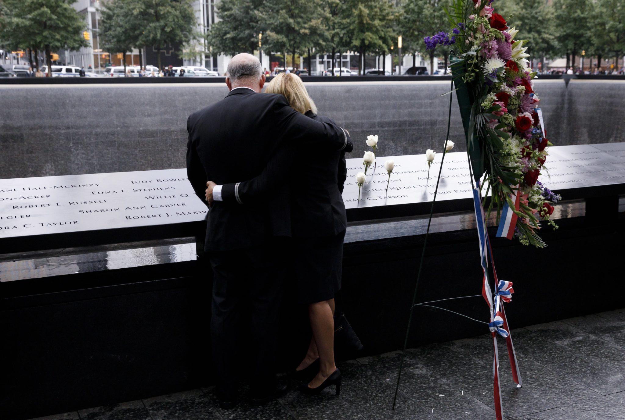 Memoriał 9/11, dziś mija 17. rocznica ataków terrorystycznych na World Trade Center, fot. Justin Lane, PAP/EPA