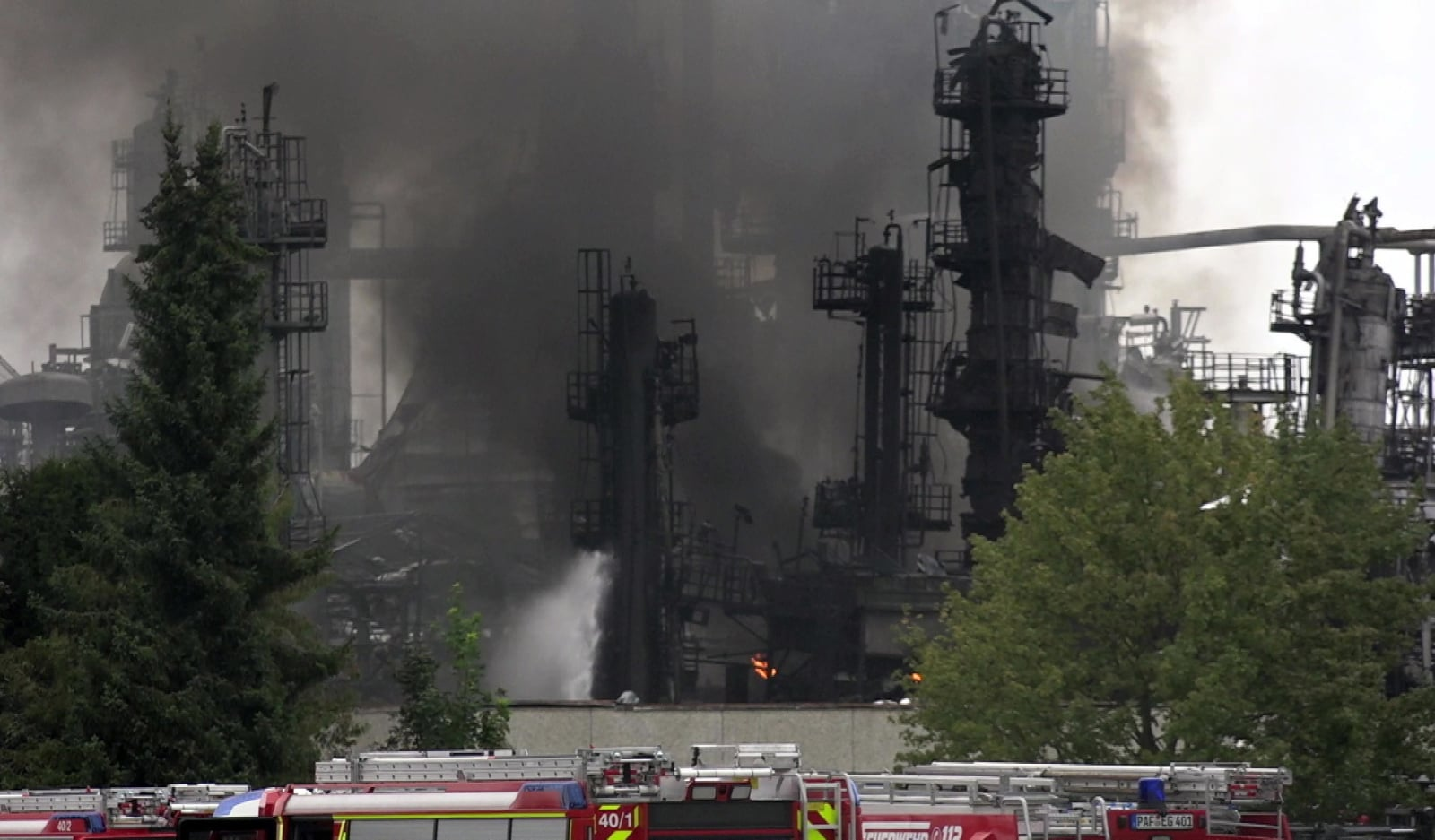 Pożar rafinerii fot. EPA/MARC MUELLER