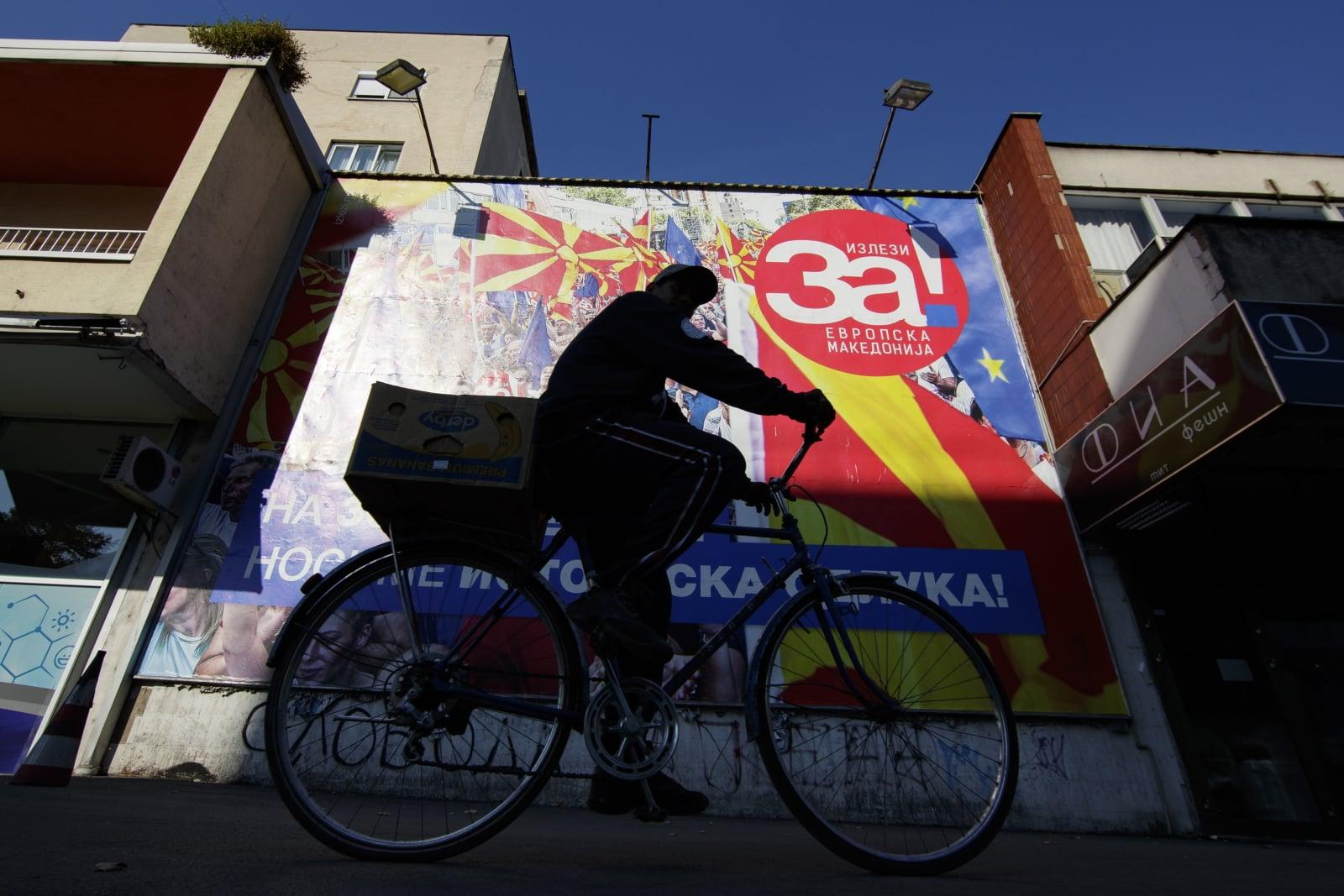 Referendum w Mołdawii nad zmianą nazwy państwa  EPA/VALDRIN XHEMAJ