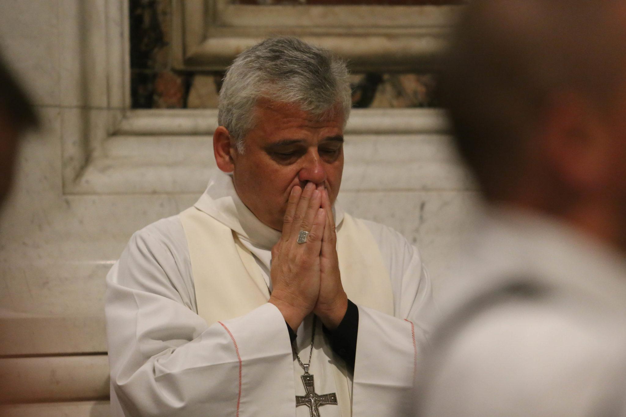 Jałmużnik papieski kard. Konrad Krajewski przewodniczył - w imieniu papieża Franciszka - Mszy św. pogrzebowej polskiego bezdomnego, 62-letniego Jana.