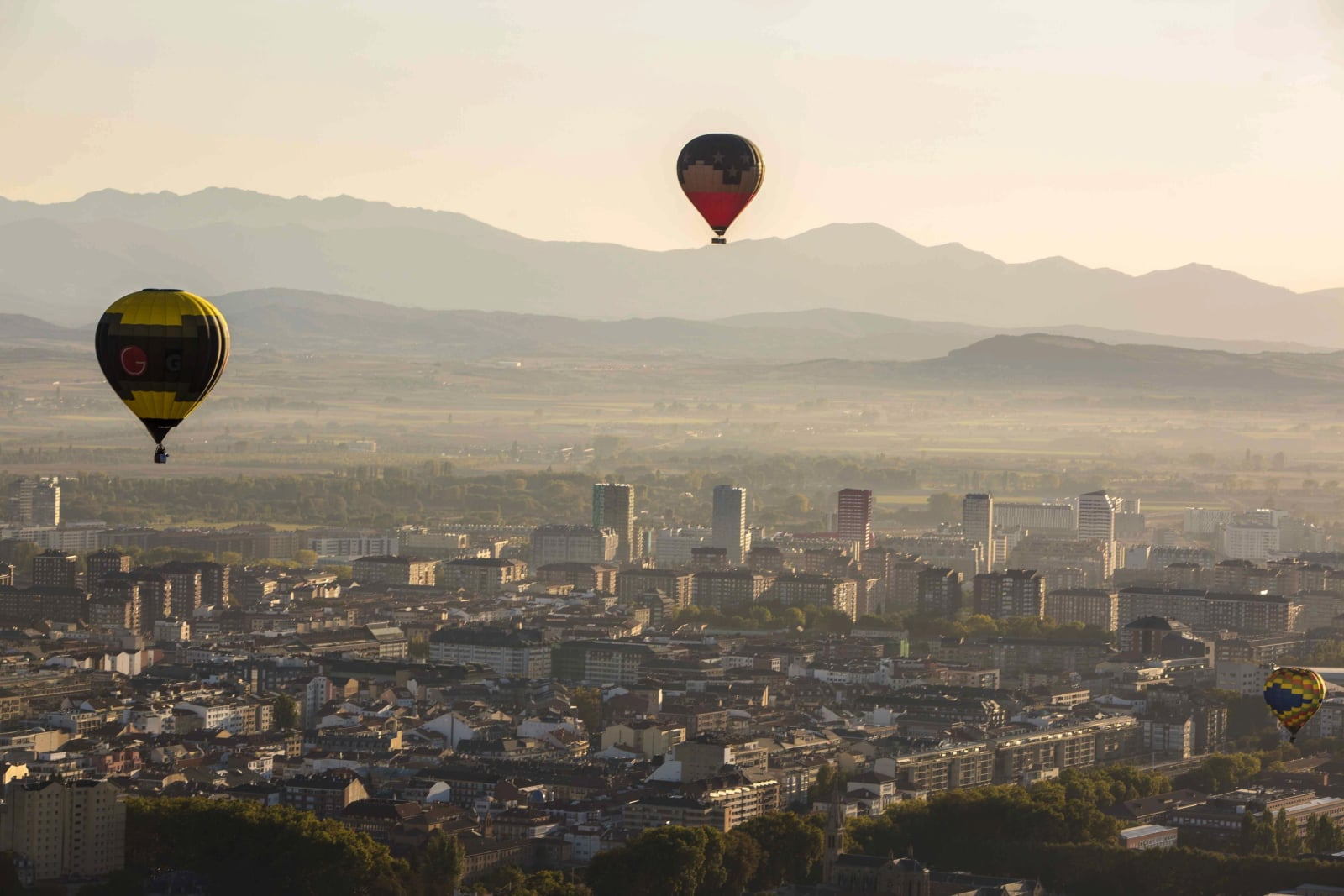 Zawody balonowe w Hiszpanii EPA/David Aguilar