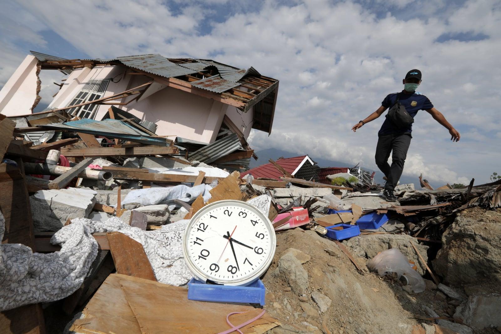 Skutki trzęsienia ziemi i tsunami w Indonezji EPA/HOTLI SIMANJUNTAK/EPA-EFE