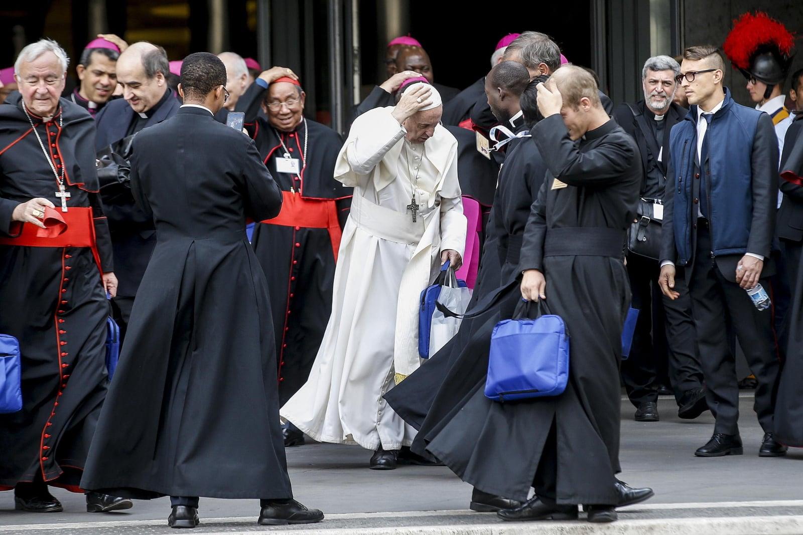Papież Franciszek po zakończonych obradach Synodu Biskupów nt. młodzieży, fot. EPA/FABIO FRUSTACI