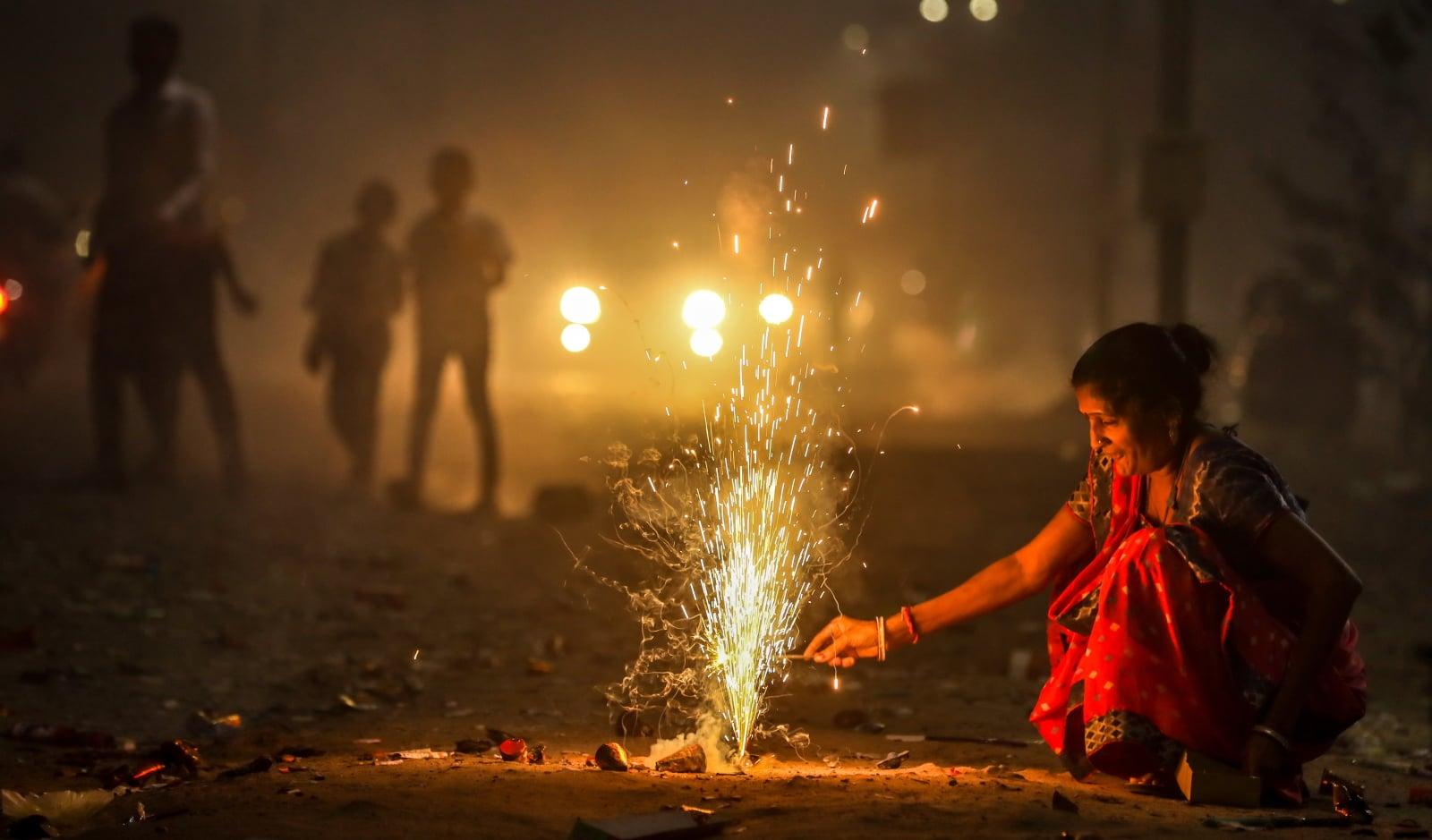 Festiwal Diwali w Ahmadabadzie, Indie. Fot. PAP/EPA/DIVYAKANT SOLANKI