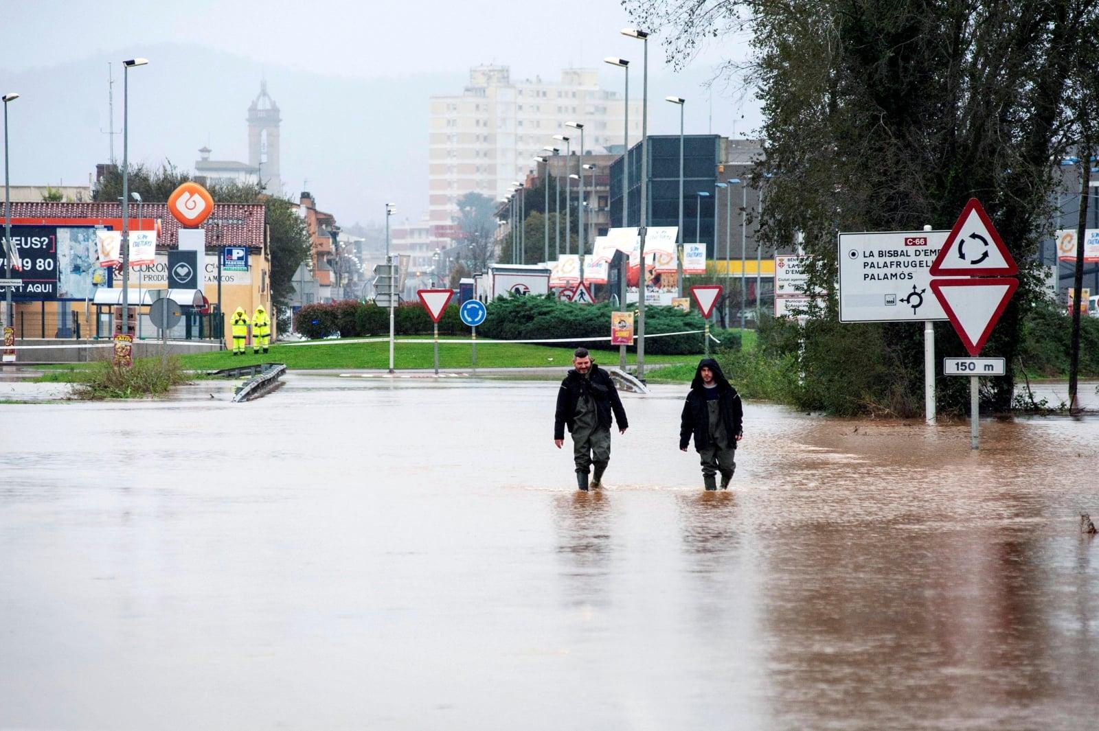 Powodzie w Hiszpanii fot. EPA/ROBIN TOWNSEND