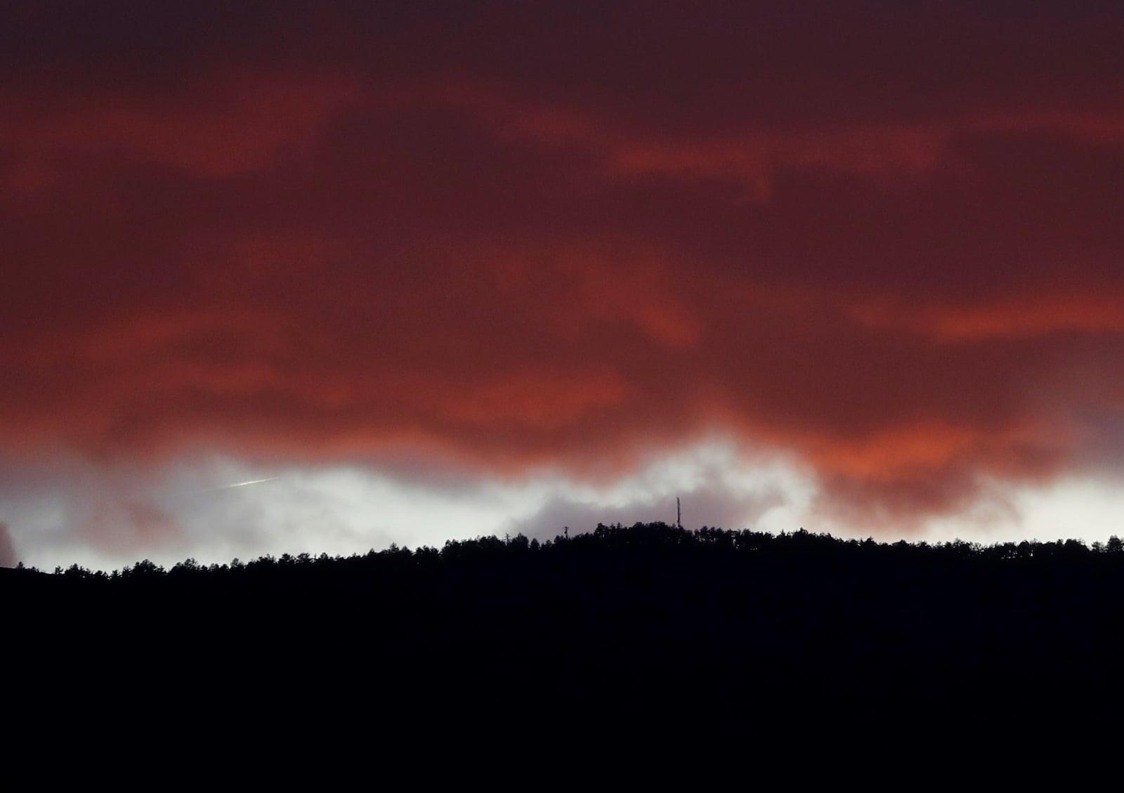 Chmury deszczowe w Hiszpanii EPA/JESUS DIGES