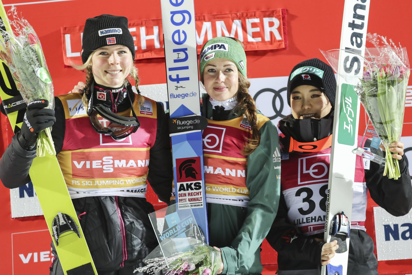 PŚ pań w skokach narciarskich w Rosji EPA/GEIR OLSEN