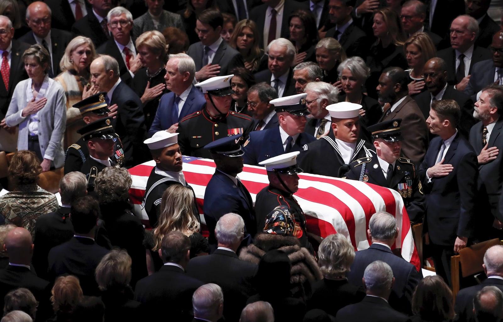 Uroczystości pogrzebowe Georga W. Busha. Fot. PAP/EPA/ERIK S. LESSER