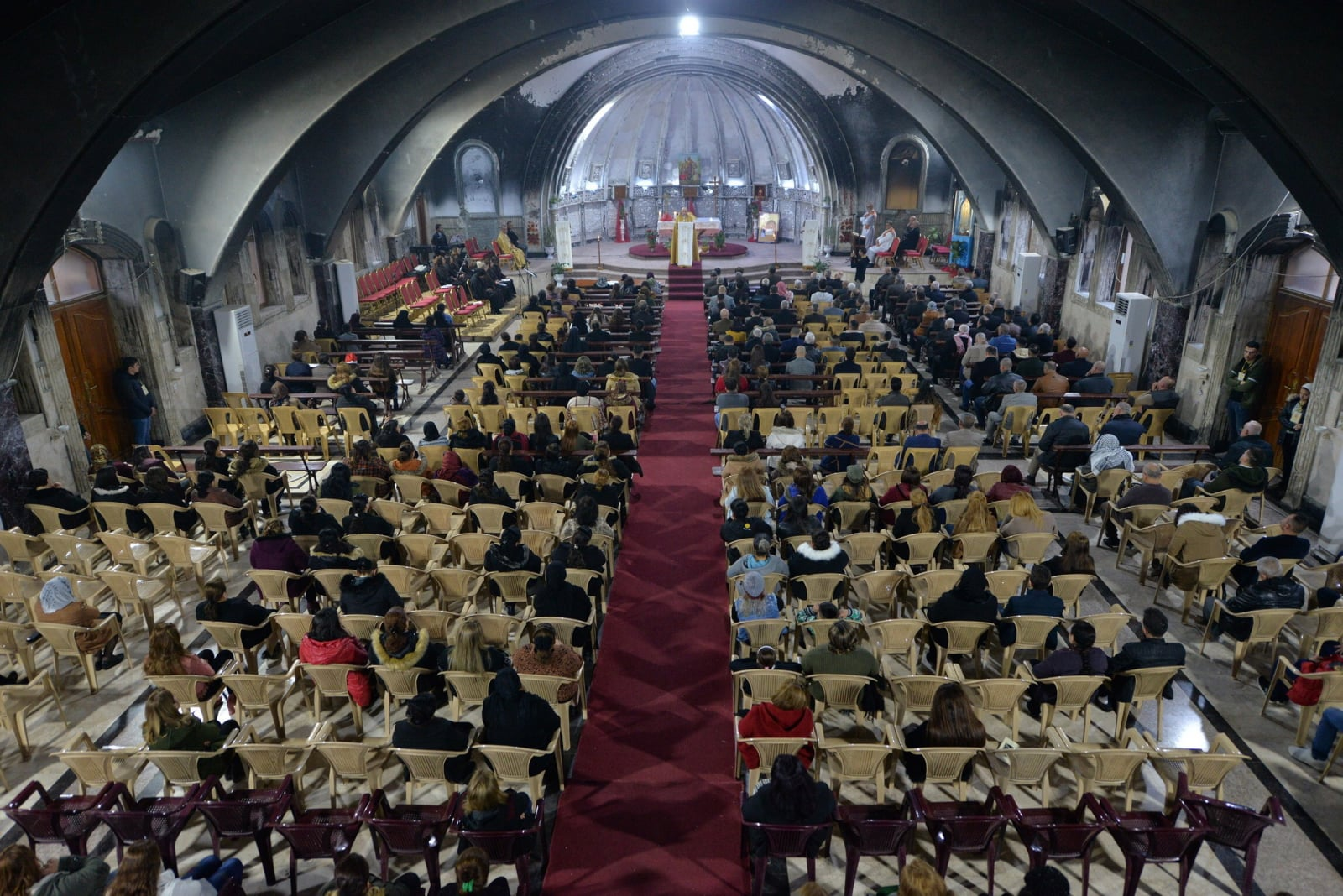 Msza Bożonarodzeniowa w Mosulu, Irak Fot. PAP/EPA/MURTAJA LATEEF