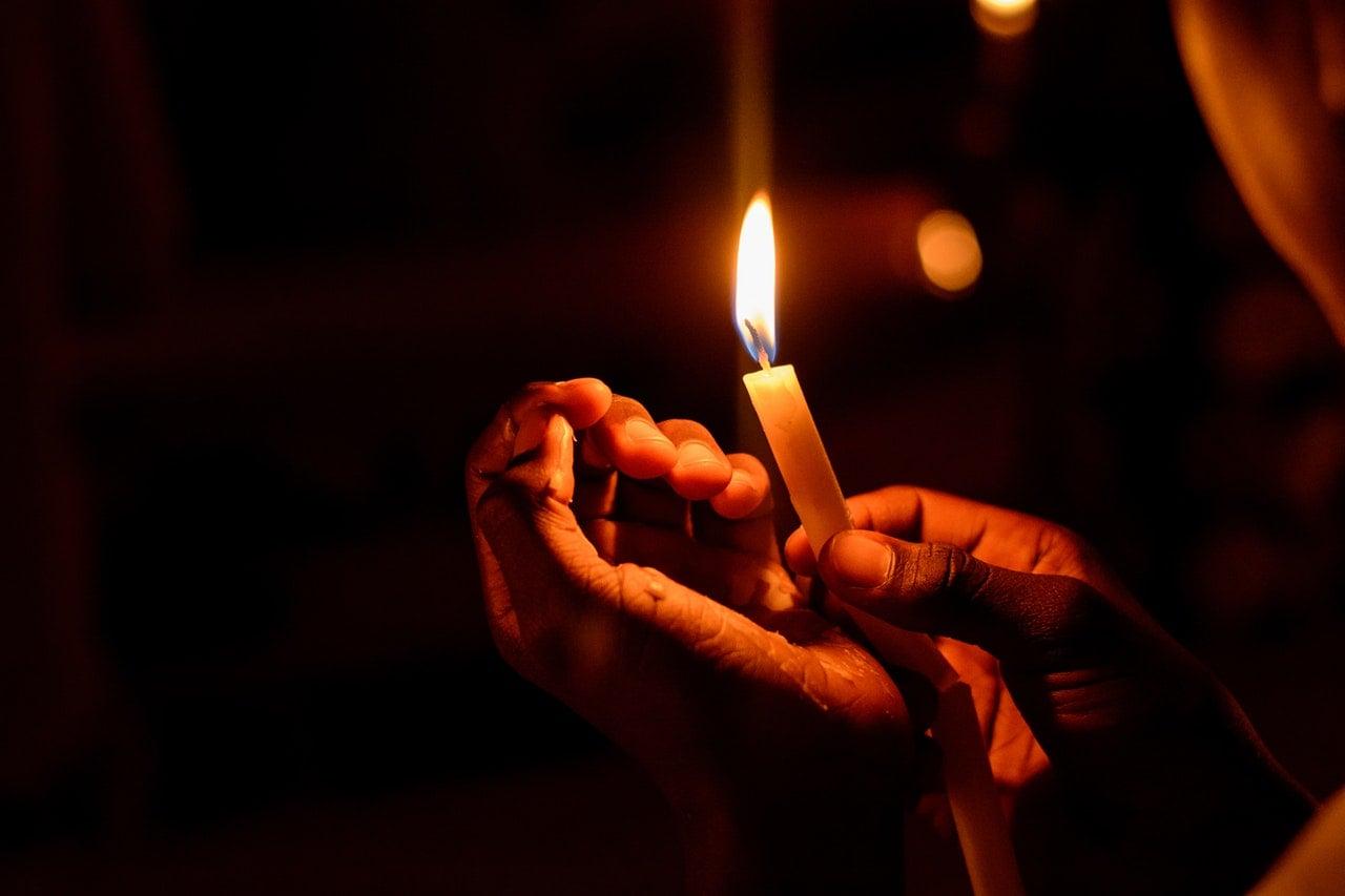 adwent roraty świeczka światło