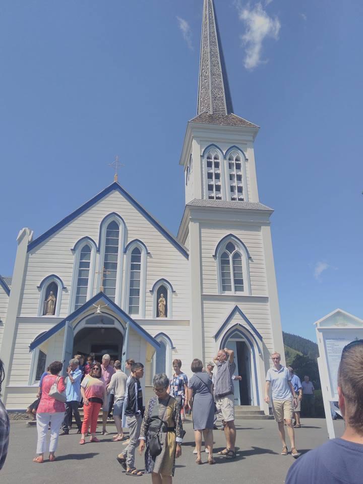 kościół w miejscowości Nelson, spotkanie parafian po niedzielnej Mszy św