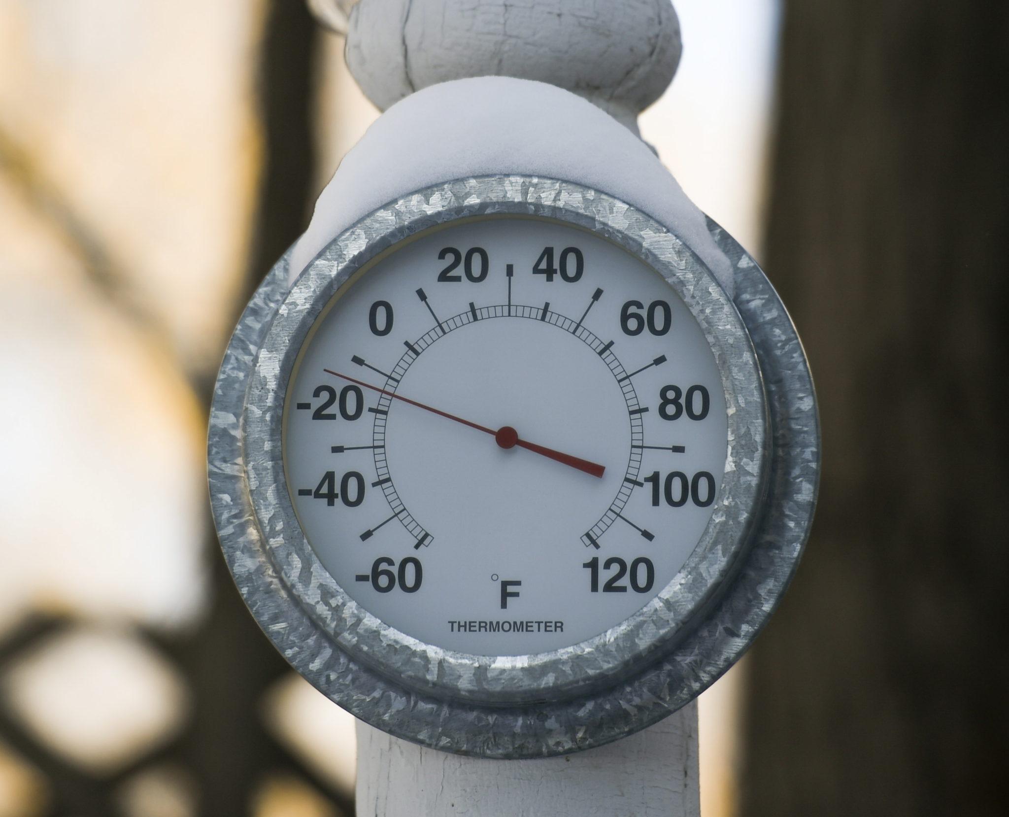 Temperatura spadła w niektórych regionach nawet do -30, -40 stopni Celsjusza, fot CRAIG LASSIG, PAP/EPA.