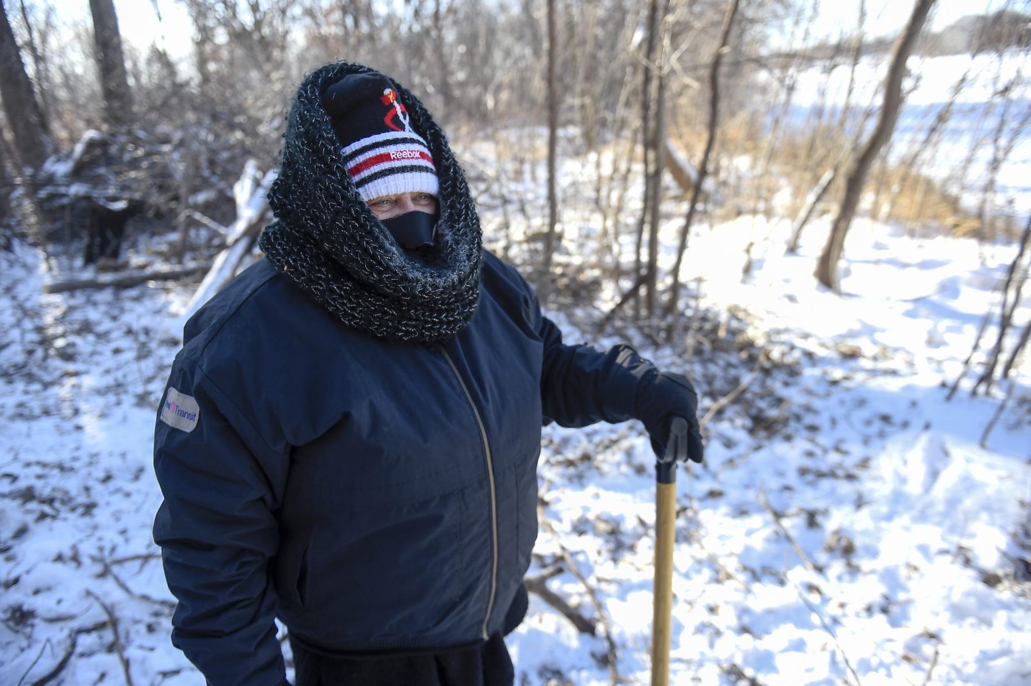 Zimowa aura dominuje na wschodzie Stanów Zjednoczonych. Miejscami spadło nawet 40 centymetrów śniegu. Wystąpiły utrudnienia w transporcie lotniczym, fot. CRAIG LASSIG, PAP/EPA.