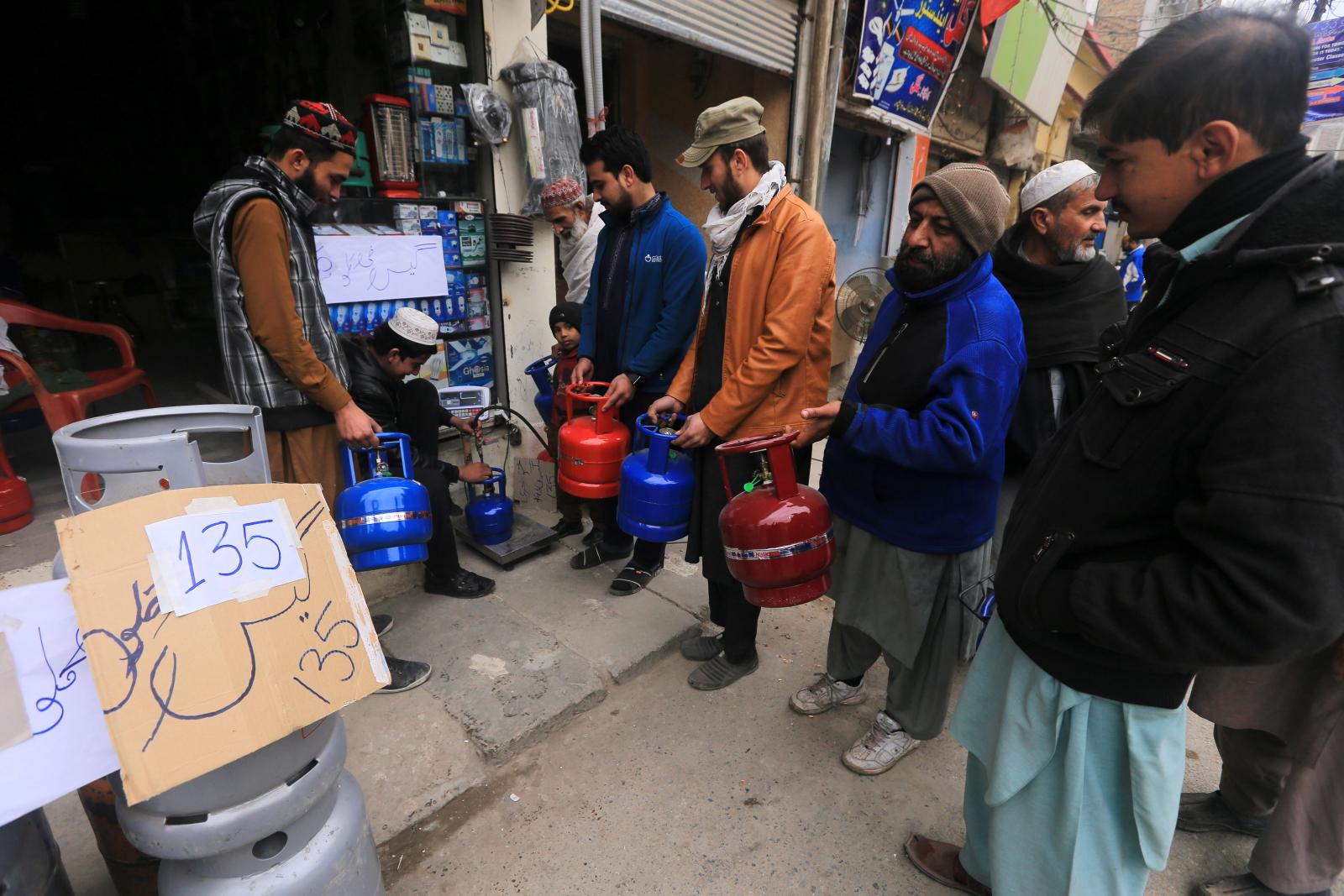 Pakistan bez gazu fot. EPA/BILAWAL ARBAB