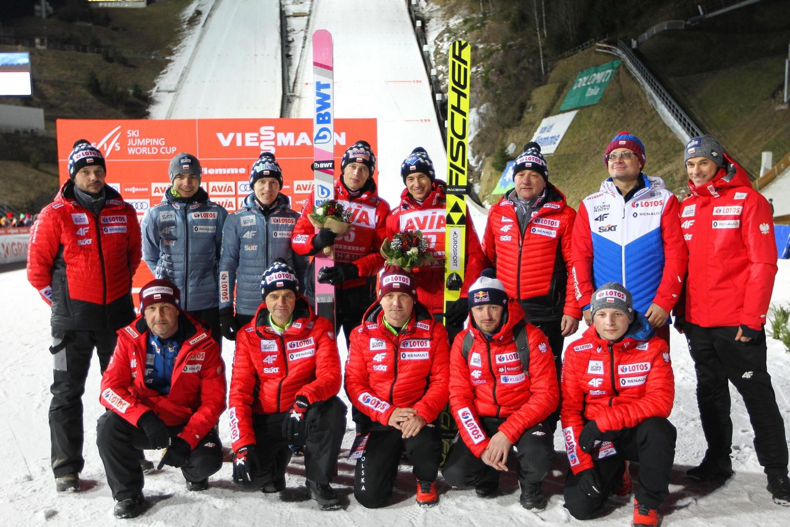 Polska reprezentacja w skokach narciarskich fot.  EPA/ANDREA SOLERO