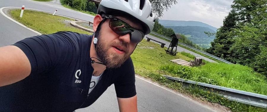Ksiądz na rowerze