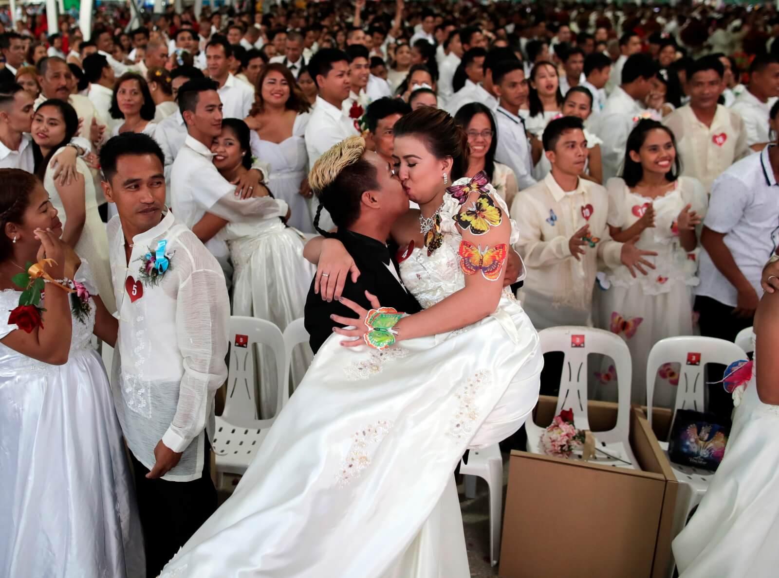 Walentynki na Filipinach fot.  EPA/FRANCIS R. MALASIG